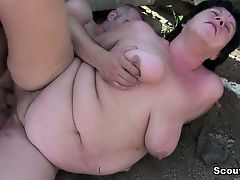 German old BBW Mamacita benefits from caught and fucked outdoor